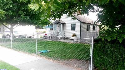 Kennewick Single Family Home For Sale: 205 S Washington St