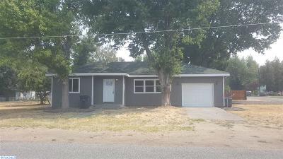 prosser Single Family Home For Sale: 1002 Lillian St