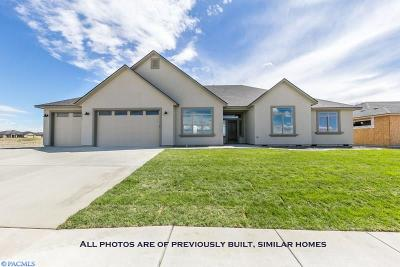 Pasco Single Family Home For Sale: Sandy Ridge Rd