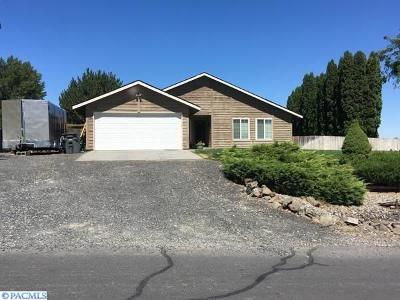 Kennewick Single Family Home For Sale: 230 Mata Rd