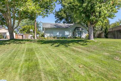 Benton City Single Family Home For Sale: 1808 Hunt