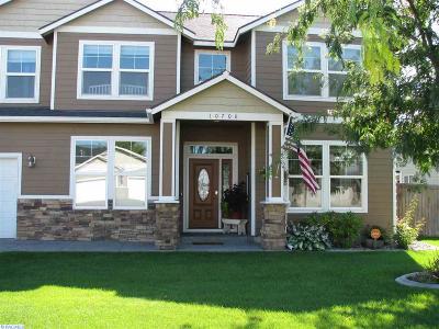 Pasco Single Family Home For Sale: 10708 Oak Lane