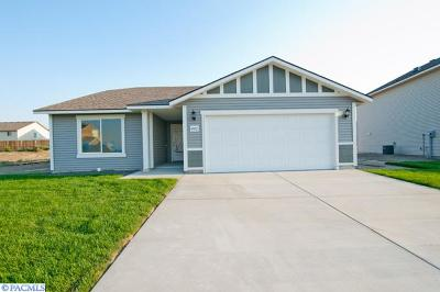 Pasco Single Family Home For Sale: 4912 Antioch Drive