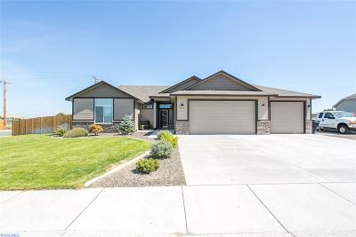 West Richland Single Family Home For Sale: 932 Topaz Ave