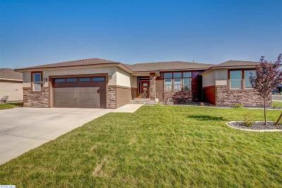 Pasco Single Family Home For Sale: 5913 Kent Ln