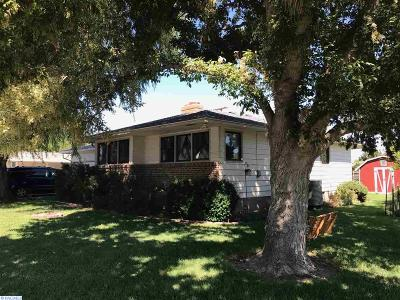 Kennewick Single Family Home For Sale: 1415 S Vancouver