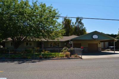 prosser Single Family Home Active U/C W/ Bump: 1531 Paterson Rd