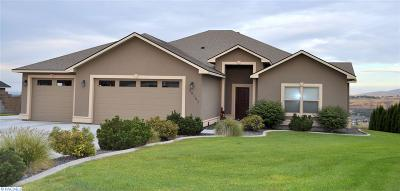 Kennewick Single Family Home For Sale: 90131 Summit View Drive