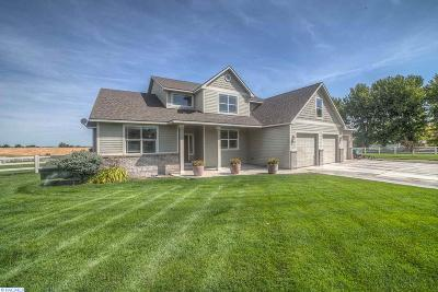 Kennewick Single Family Home For Sale: 191712 E Game Farm Rd.