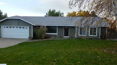 Kennewick Single Family Home For Sale: 3801 S Buntin Loop