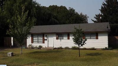 Prosser Single Family Home Active U/C W/ Bump: 917 Lillian Street