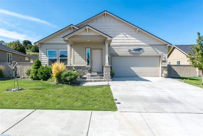 Kennewick Single Family Home For Sale: 2106 S Kellogg Pl