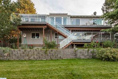 West Richland Single Family Home For Sale: 4312 Laurel Dr