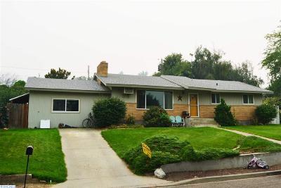 Prosser Single Family Home For Sale: 617 Myrtle St