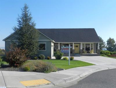 West Richland Single Family Home For Sale: 4212 Norma Loop
