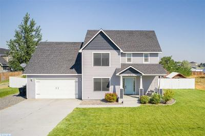 West Richland Single Family Home For Sale: 4404 Mount Adams View Dr