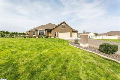 Kennewick Single Family Home For Sale: 102312 Kash Loop