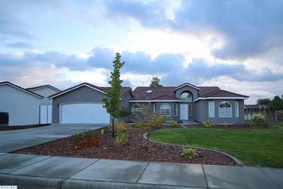 West Richland Single Family Home For Sale: 5705 Mulberry Avenue