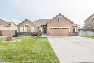 West Richland Single Family Home Active U/C W/ Bump: 3770 Watkins Way