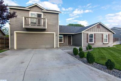 Pasco Single Family Home For Sale: 5807 Maryhill Lane