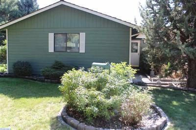 Kennewick Single Family Home For Sale: 100603 E Clover Rd