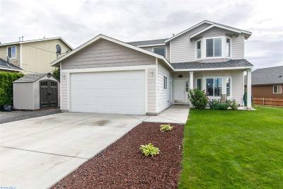 Pasco Single Family Home For Sale: 4419 Montgomery Lane