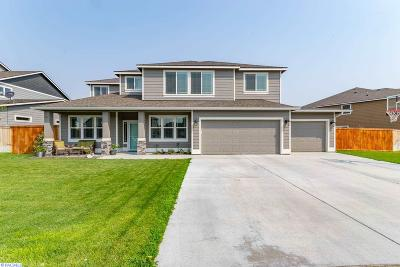 West Richland Single Family Home For Sale: 730 Pinnacle Dr
