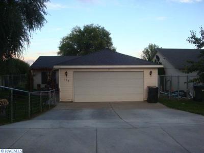 Pasco Single Family Home For Sale: 127 S Hugo Ave
