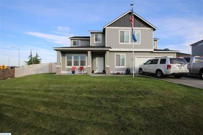 Pasco Single Family Home For Sale: 3711 El Paso Dr.