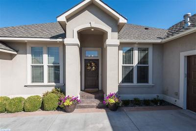 Kennewick Single Family Home For Sale: 3411 W Canyon Lakes Drive