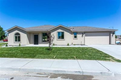 Richland Single Family Home For Sale: 2700 Eagle Watch Loop