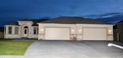 West Richland Single Family Home For Sale: 507 Athens Dr