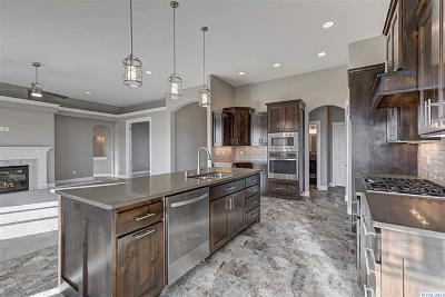 Kennewick Single Family Home For Sale: 88205 E Sagebrush Rd