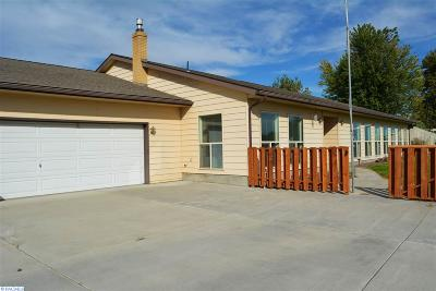 Pasco Single Family Home For Sale: 8916 Dradie Street