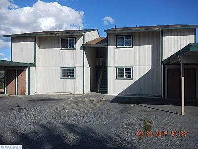 Kennewick Multi Family Home For Sale: 4210 W Albany