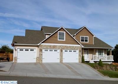 Pasco Single Family Home For Sale: 3707 Desert Plateau Drive