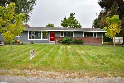 Pasco Single Family Home For Sale: 5012 Livingston Road