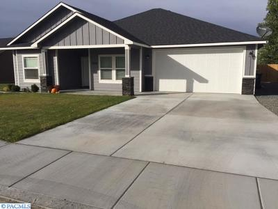 West Richland Single Family Home For Sale: 4540 Tamarack Rd