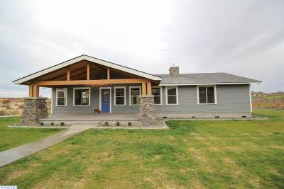 Kennewick Single Family Home For Sale: 86104 Summit View Drive