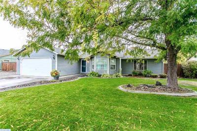 Kennewick Single Family Home For Sale: 1013 W 37th Place