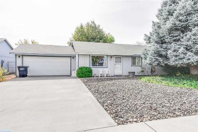 West Richland Single Family Home For Sale: 4831 Holly Way