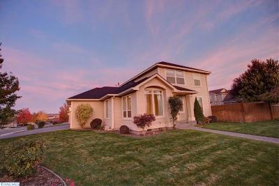Kennewick WA Single Family Home Active U/C W/ Bump: $339,900