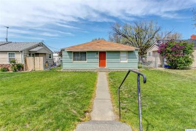 Prosser Single Family Home For Sale: 1922 Highland Drive