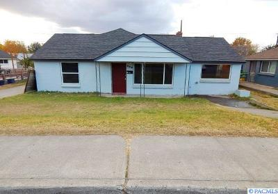 Kennewick Single Family Home For Sale: 702 S Garfield