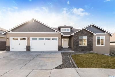 Kennewick Single Family Home For Sale: 10333 W 18th Place