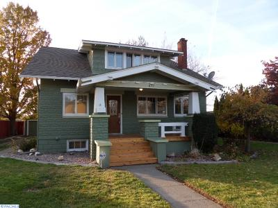 Prosser Single Family Home For Sale: 837 Court St.