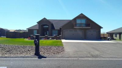 Kennewick Single Family Home For Sale: 90564 Summit View