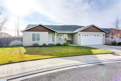 West Richland Single Family Home For Sale: 5703 W Monica Ct.