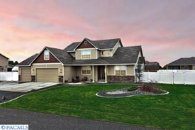 West Richland Single Family Home For Sale: 6048 Thynewood Lp