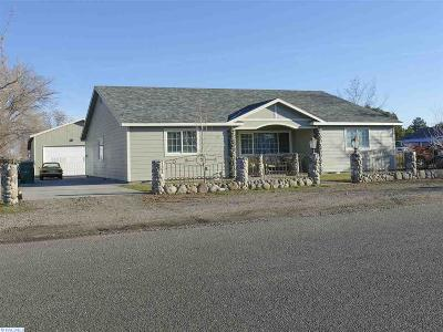 Kennewick Single Family Home For Sale: 105 S Williams St